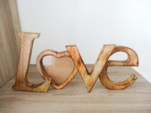Cadre LOVE bois exotique - Ma déco aux petits oignons