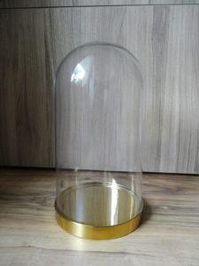 Cloche en verre et base dorée - Ma déco aux petits oignons
