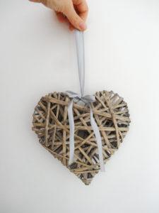 Coeur en osier grisé - Ma déco aux petits oignons