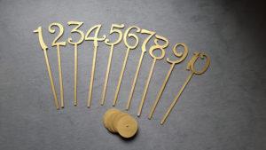 Numéros de table bois doré - Ma déco aux petits oignons
