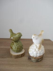 Oiseaux céramique vert et blanc sur socle bois - Ma déco aux petits oignons